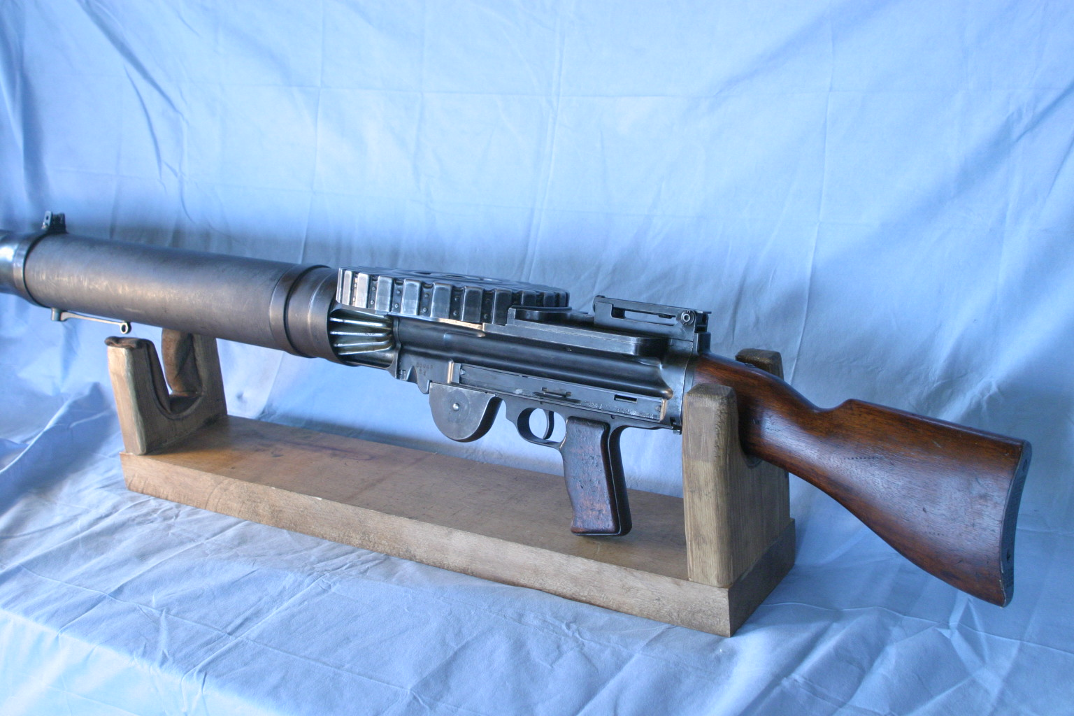 Lewis Gun With Three Mags-sold